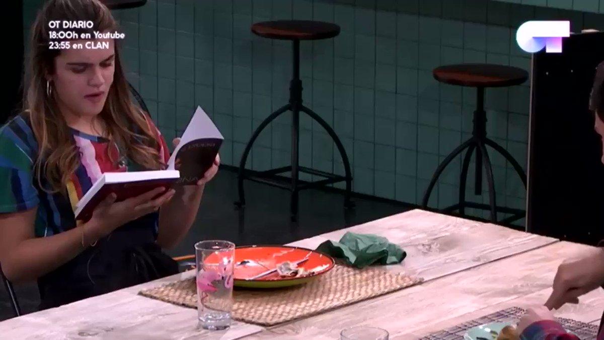RT @aiutoblumettra: Amaia leyendo en catalán #OTDirecto21N https://t.co/k4h16pJfhL