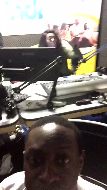 #TeamMetroMix live in the studio @ndubz #Ouch @DaniellaBarnett @sharonbaiden_xo https://t.co/oHHxrkDu6R