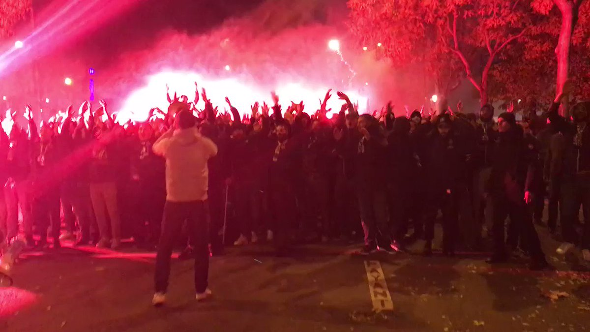 SCENES: @Co_Ultras_Paris make their way to Parc des Princes. 😳🇫🇷🔥 (🎥 @AmbreGodillon)  https://t.co/G4QivA4tCM