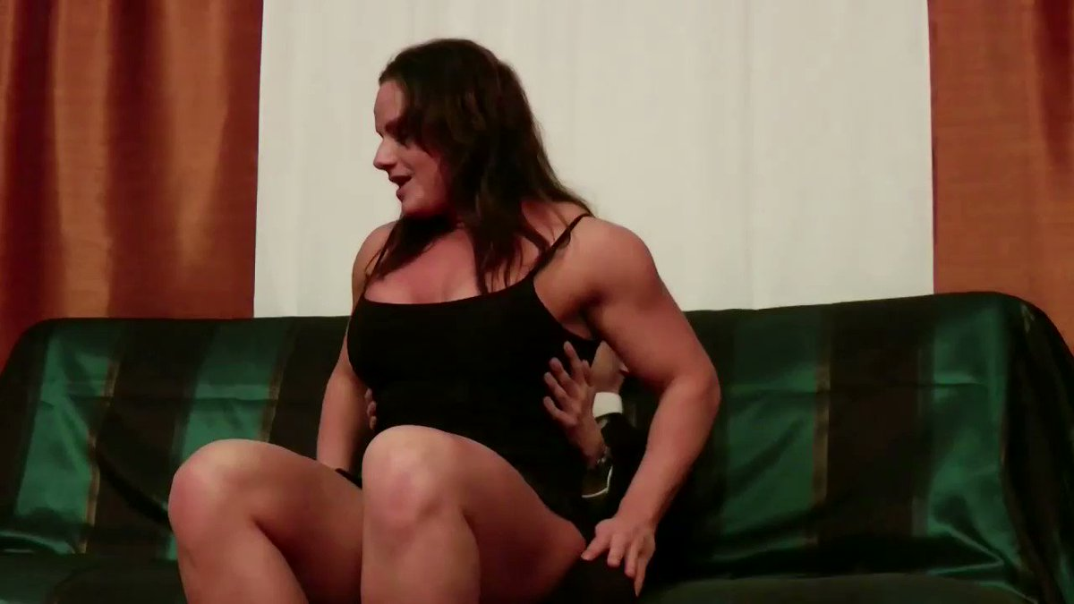Angela Salvagno Twitter musclegirlflix : battle of the twins! angela salvagno twin