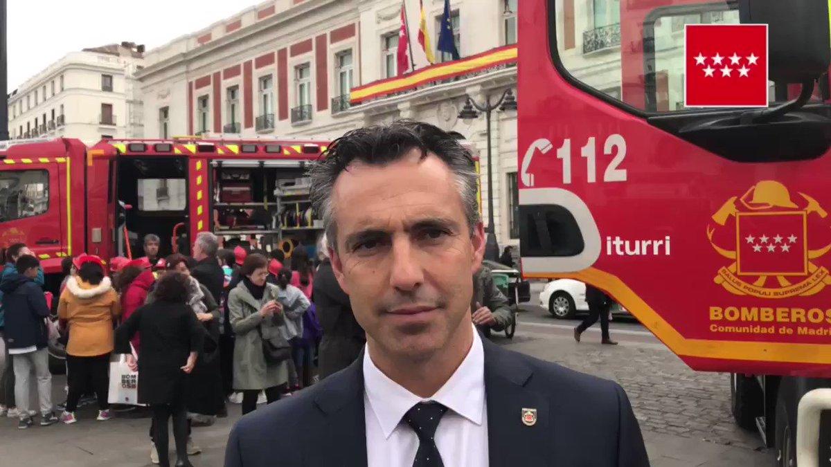 @CarlosNovilloPi destaca la vocación de servicio público en estos #50añosBomberosCM que hoy celebramos. https://t.co/qi1kilaOyt