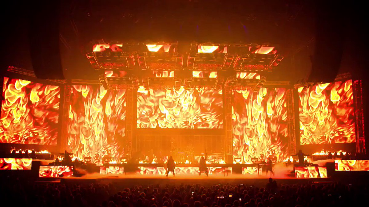 .@trans_siberian's 'The Ghosts of Christmas Eve' is nothing short of spectacular. They've got more pyro, lasers and surprises for you. Don't miss them in your city: https://t.co/OFz6qqLBkY