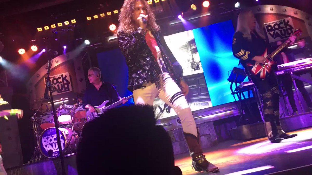 👍@johnnykats @HardRockHotelLV @Rock_Vault #VegasShowNET