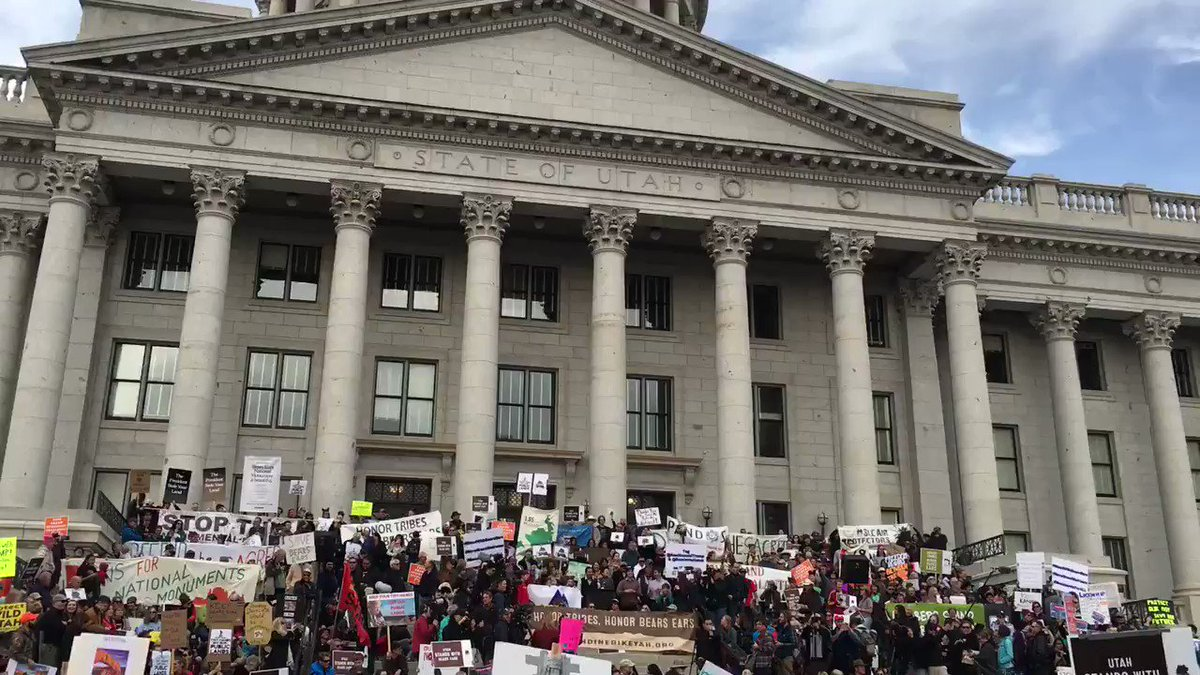 5000+ people stood on the steps of our Capitol in SLC, demanding protection for our public lands. #MonumentsForAll https://t.co/VlE5MRYzPj