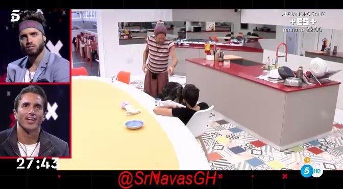 RT @SrNavasGH: Reaccion de Hugo a los videos de los traidores (2) #Gala13GH https://t.co/UXEjJFx6W3