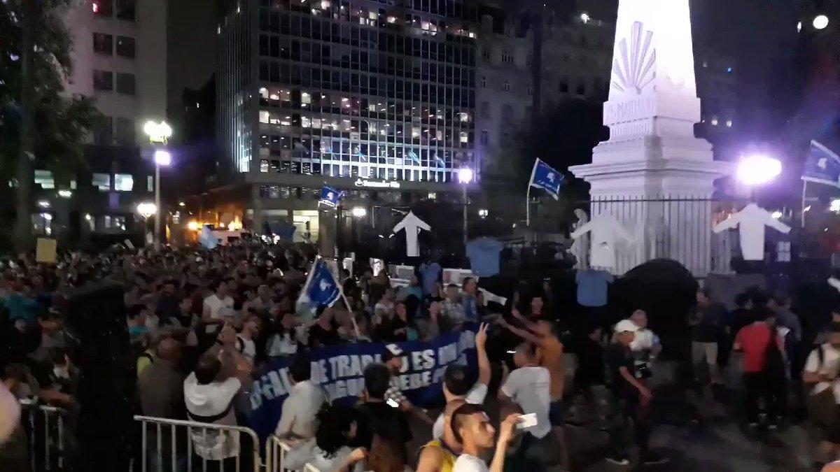 RT @arilijalad: Ahora, #MarchaDeLaResistencia https://t.co/EXek4f8Y1y