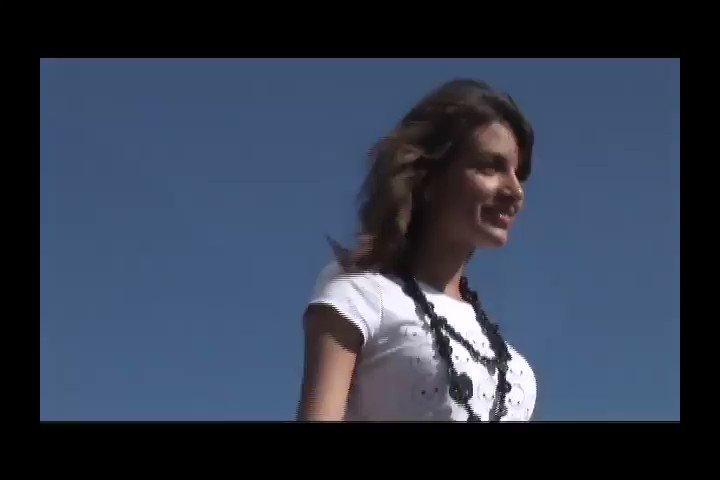 Aquí el sorpresOT: Teen Ana War interpre...