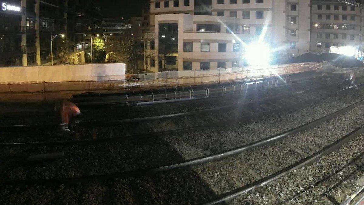[ACCESSIBILITE] Retour sur une mobilisation massive en gare d'Issy Val de Seine où un nouvel accès a été créé en seulement un week-end. D'ici 2024, 209 gares rendues accessibles à tous. #LeReseauAvanceIDF cc @SNCFReseau @IDFmobilites @iledefrance @RERC_SNCF @alainkrakovitch