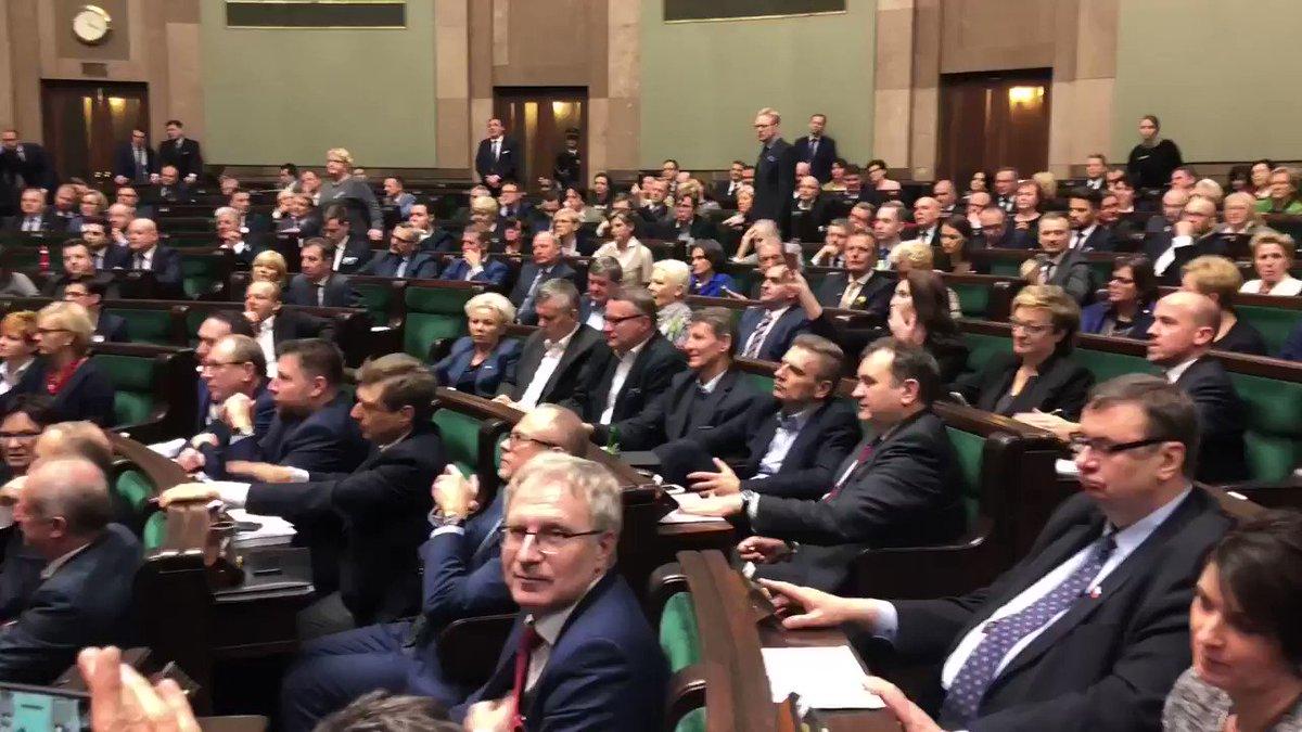 Totalna opozycja w pracy. https://t.co/g...