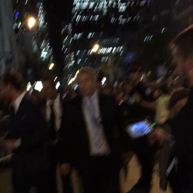 RT @BeatFassbender: #MICHAELFASSBENDER SUMMED UP IN ONE VIDEO ❤️ (2016) #Sweet #Fans #TIFF #Adorable https://t.co/QzAs3u2TDs
