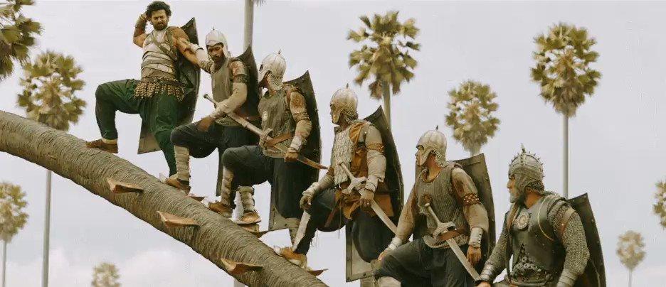 インド映画「Baahubali 2」のワンシーンだそうですが、衝撃的すぎる城攻め...
