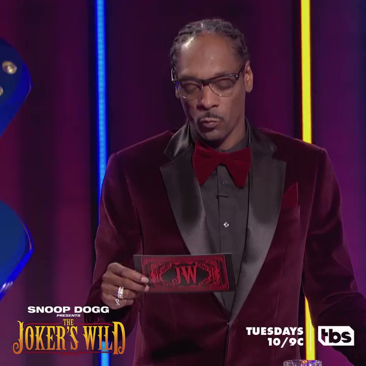 A real pro goes off script sometimes. Catch @SnoopDogg's wild lines every Tuesday at 10/9c. 🃏 #JokersWild https://t.co/wV3CRdQ4E5