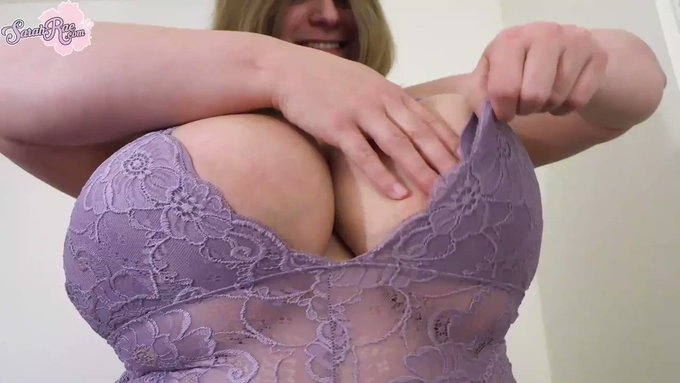 I love playing with my #hugetits on https://t.co/DGxvdHiDuf <3 #boobs #busty #model #tits https://t.