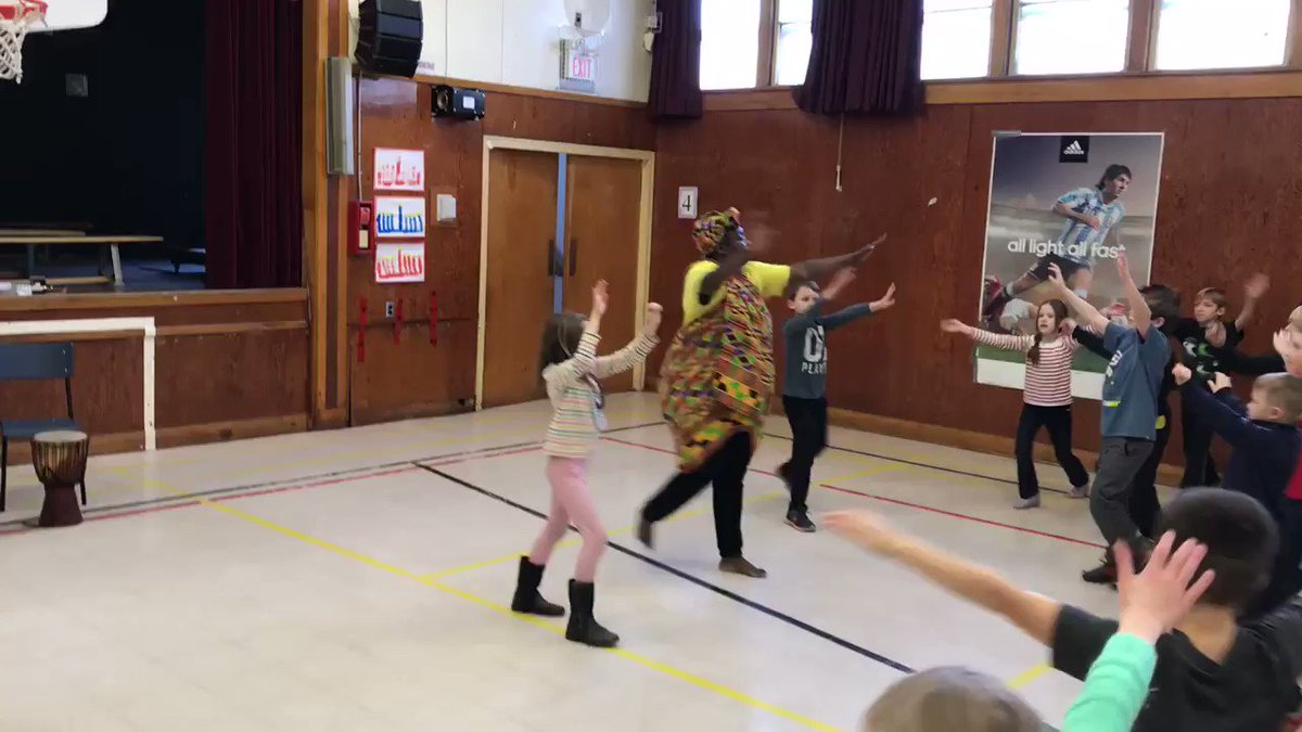 Energized by Mufaro's teaching Learning language in many ways through movement #seewhatimlearning @Tupper1930 #Goodvibesonly
