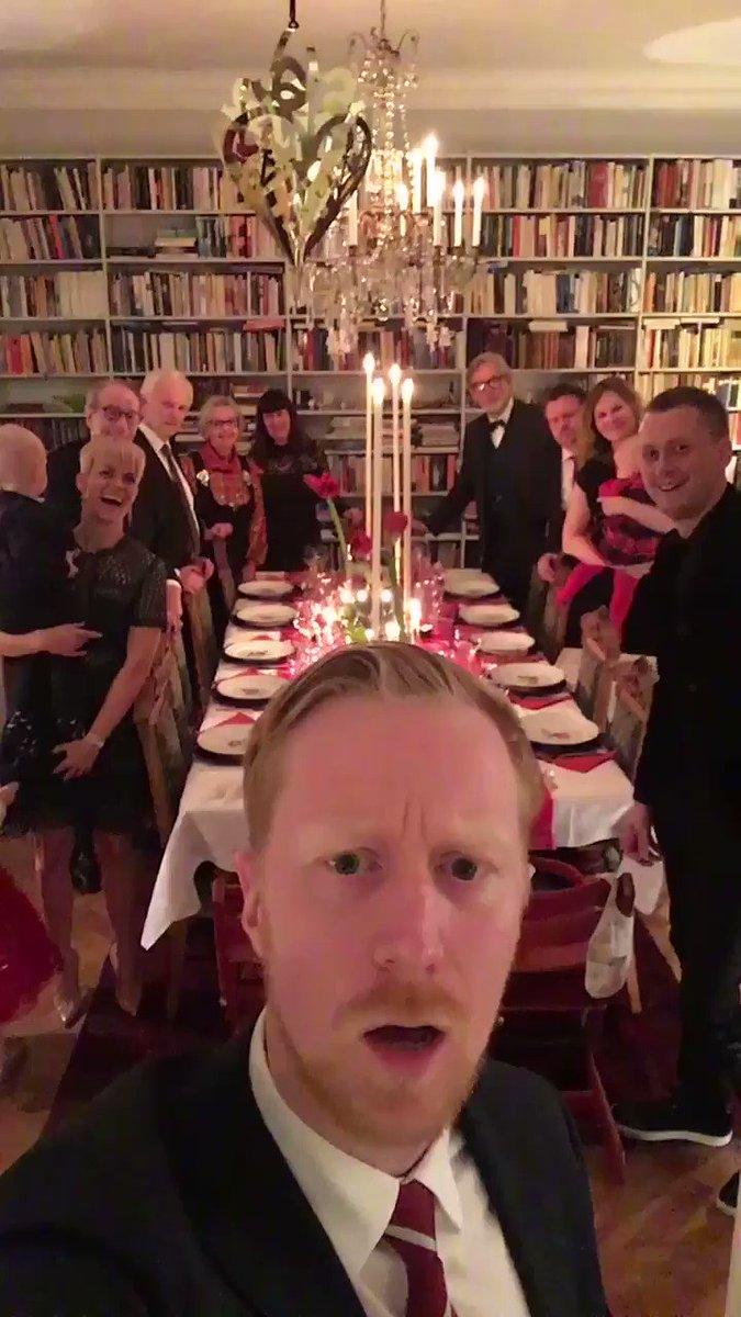 ヤバタン家族から、メリークリスマス!🎄🎁🎅🏻😂    #クリスマスイブ http...