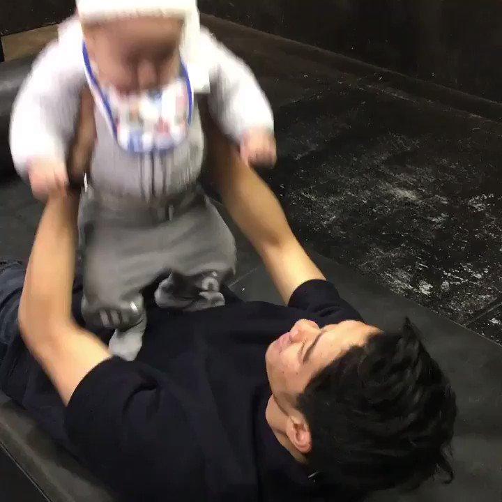 体幹トレーニング💪👶😂😂😂 #sk23 #training #Baby