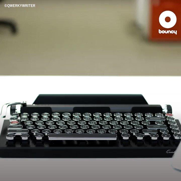 スマホがレトロなタイプライターに? 出典 👉 Qwerkytoys, Inc. #スマホ #タイプライター #キーボード #コピペ @Qwerkywriter 【詳細はこちら】👉