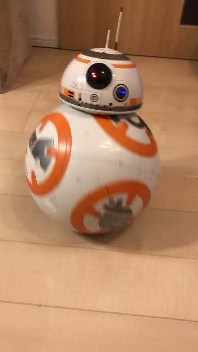 娘のクリスマスプレゼントにBB-8を買ってあげたのだが、最近のおもちゃはすげぇな…