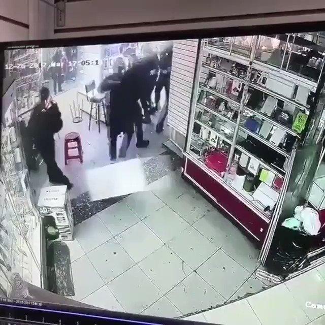 #ايران_تتحرر_من_الطغيان  الشرطة الإيراني...