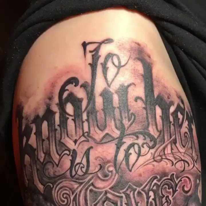 "Lettering tattoo I did yesterday at @HighVoltageTat 🖤🗡 [song: ""shadow fury"" by @GUNSHIPmusic] https://t.co/V8MQmLH0XS"