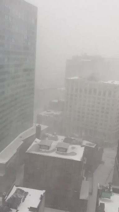 #BOMBCYLONE #blizzard2018  #Grayson #SnowStorm My view in Boston right now! ❄️❄️❄️❄️❄️ https://t.co/