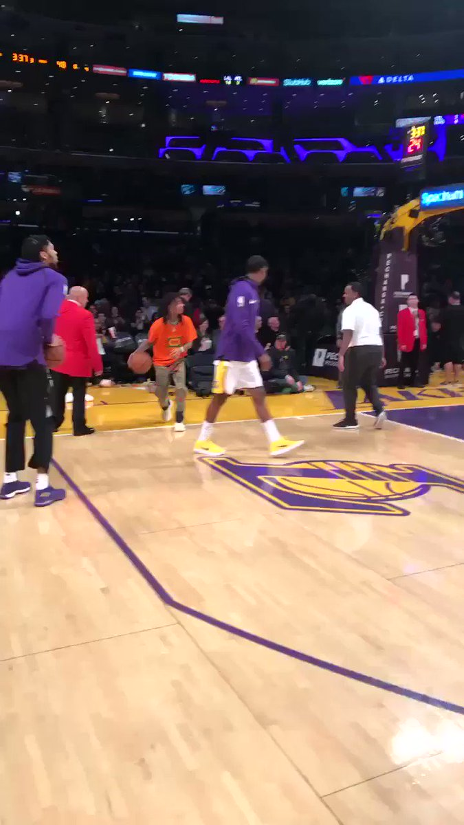 Got that Assist from @CaldwellPope  during Warmups yesterday at the Lakers Game I drained that bit 🏀🏀💪🏽🔥🔥