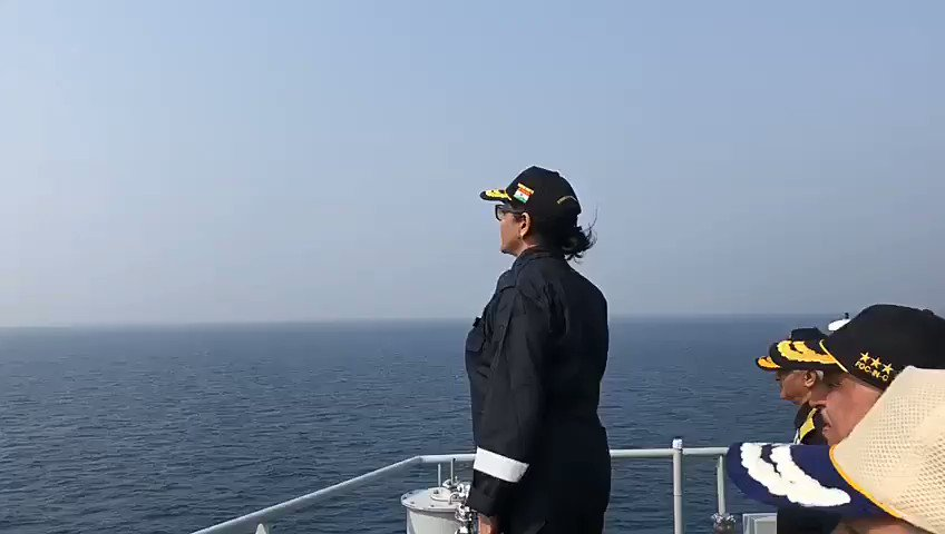 Министр обороны Индии Нирмала Ситхараман на авианосце Vikramaditya Индии, nsitharaman, during, Retweets, carrier, Vikramaditya, Викрамадитья, Ситхараман, обороны, likes, Delhi, Operations, Defence, privacy, Twitter, ReviewdelhidefenceVIDEO, Night, Оригинал, coast, indiannavy