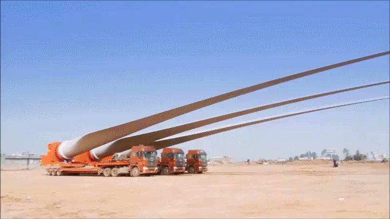 めちゃくちゃ神経すり減らしそうな風車の羽根の運搬作業