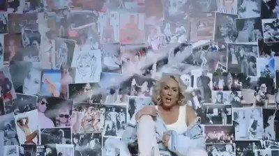 #LEPA #BRENA🌟 10.02.2018.g. #HAMBURG #Germany #live #zarjevaznodalsepevailipjeva🎶 #bolisineprolazis🎶 #HDSV🎶🌟🎶 @LepaBrena_TW 💜