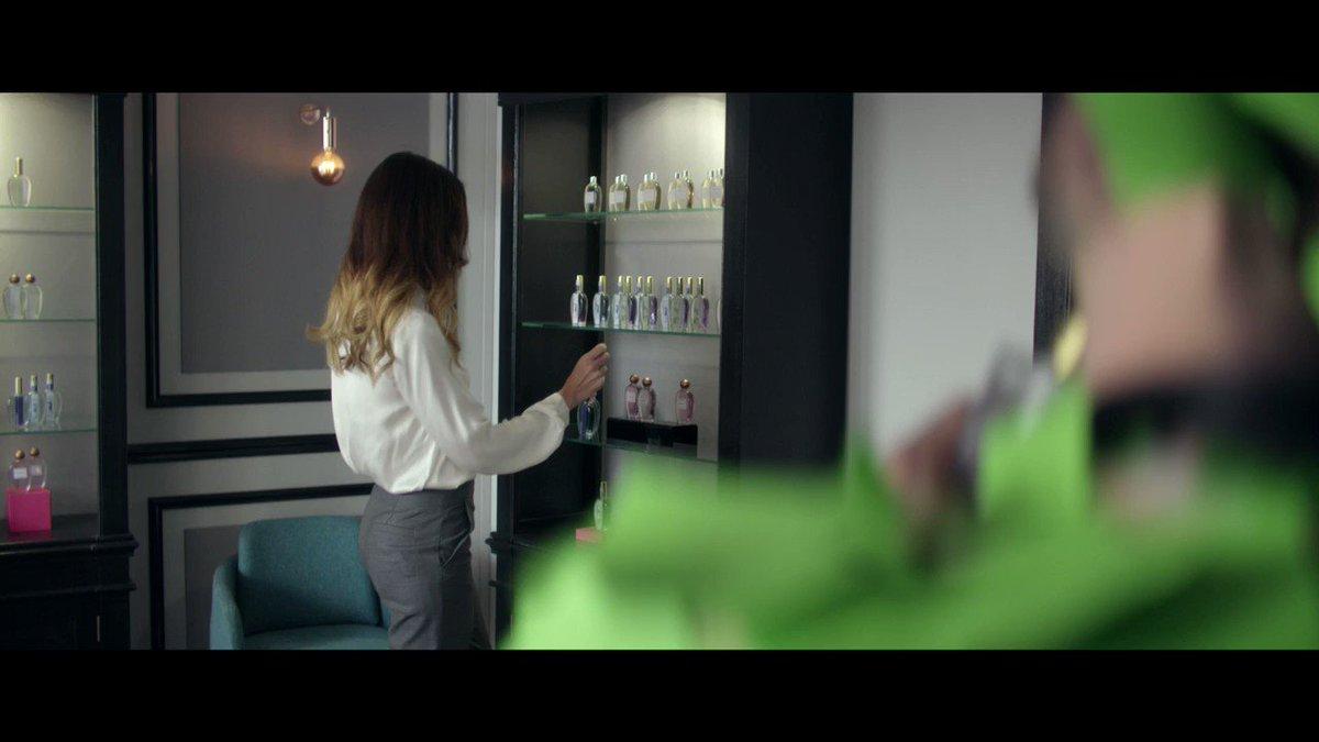 cetelem france on twitter une parfumerie une vendeuse et un imitateur d couvrez notre. Black Bedroom Furniture Sets. Home Design Ideas