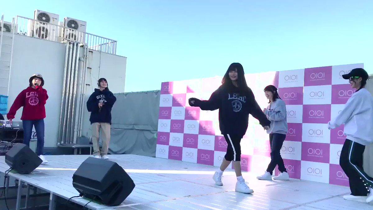 ここが件のシーン。hinakoとrisanoによるマルイの「OIOI」ロゴを再現するダンスに爆笑して腰が砕け、その後しばらく笑いっぱなしで立ち上がれなかったhime。 #リリスク