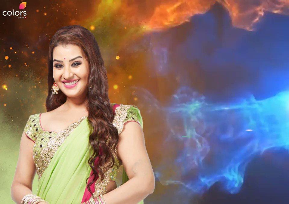 RT @ColorsTV: Shilpa Shinde walks away with the title of Bigg Boss season 11. #BB11Finale https://t.co/FA86NCj5zM