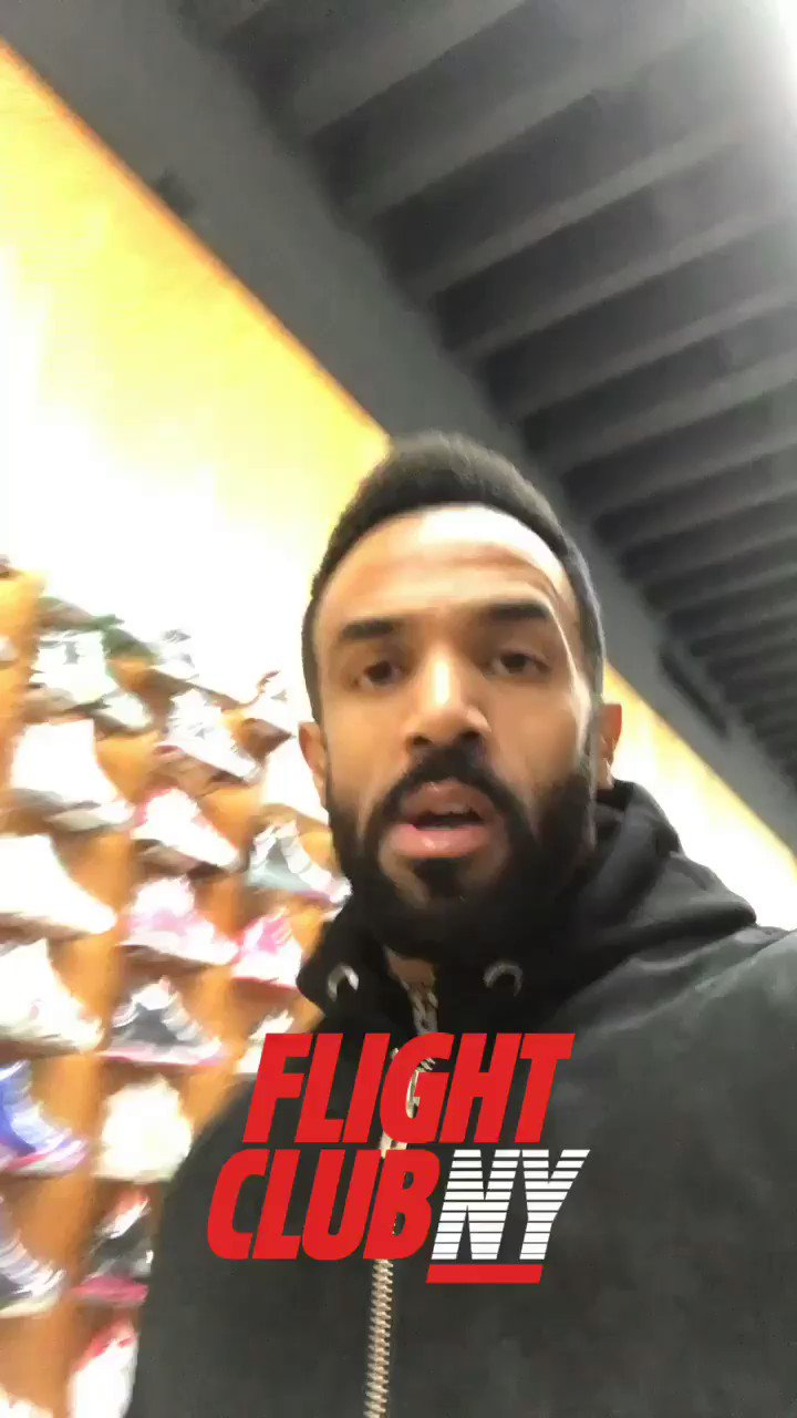 Over here in @flightclub N.Y getting kitted out correct for my @TS5 show tonight @boweryballroom 🔊 Game time🏆🔥 #TS5 https://t.co/QSBpAqGQu6