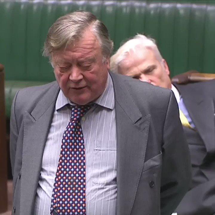 RT @BBCPolitics: .@DesmondSwayne MP just fell asleep in the House of Commons. https://t.co/msqIBUbZCJ