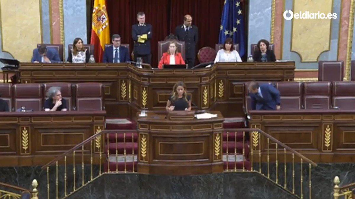 RT @XCatalunya: VÍDEO: Així va votar Sánchez Camacho telemàticament https://t.co/sEni37Adgz https://t.co/RhaE59ScJM