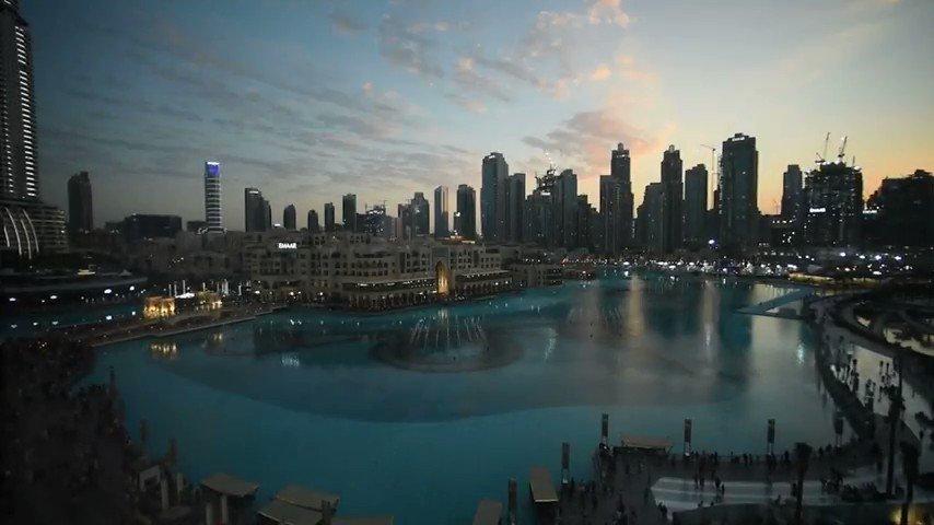 RT @h506522: 제 탐라여러분들 이거 봐줘야 돼 ㅠㅠ 두바이 파워 분수쇼 위에서 찍은건데 진짜 너무 쩔어요ㅠㅠㅠㅠㅠㅠㅠㅠㅠ개쩔어ㅠㅠㅠㅠㅠㅠㅠㅠㅠㅠ https://t.co/SyV4ssmXAC