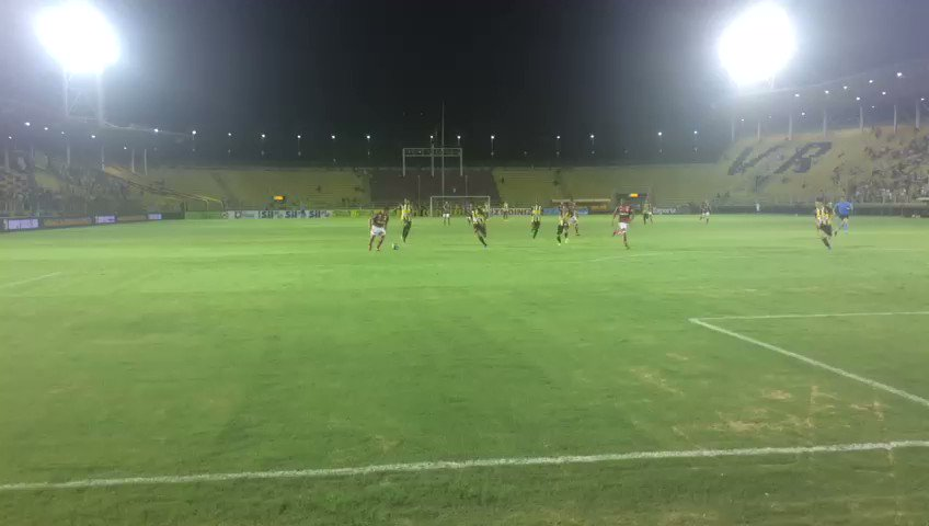 RT @Flamengo: Que golaço, amigo! Se liga no vídeo: #VOLxFLA https://t.co/6C4FaUREHD