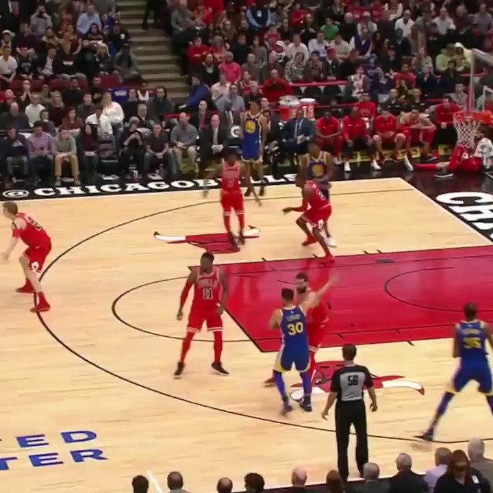 A scary moment for Kris Dunn. https://t....