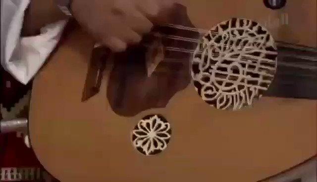 #الصوت_الكويتي  من الفنون الترآثية الاصيلة المشهورة بمنطقة الخليج ..  #فن  #تراث  #ايقاع  #فنون  #الكويت https://t.co/TgURP8g8cr