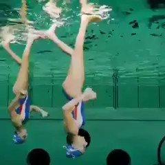 هل تستطيع المشي فوق الماء .. روعة   #ابداع #فن #خيال https://t.co/qZNfVduw9f