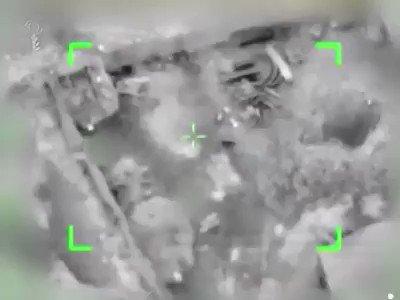 #شاهد القناة 20 العبرية الاحتلال ينشر فيديو لعملية استهداف نفق سرايا القدس قبل نحو شهرين جنوب قطاع غزة. https://t.co/6gkwKHQJtJ