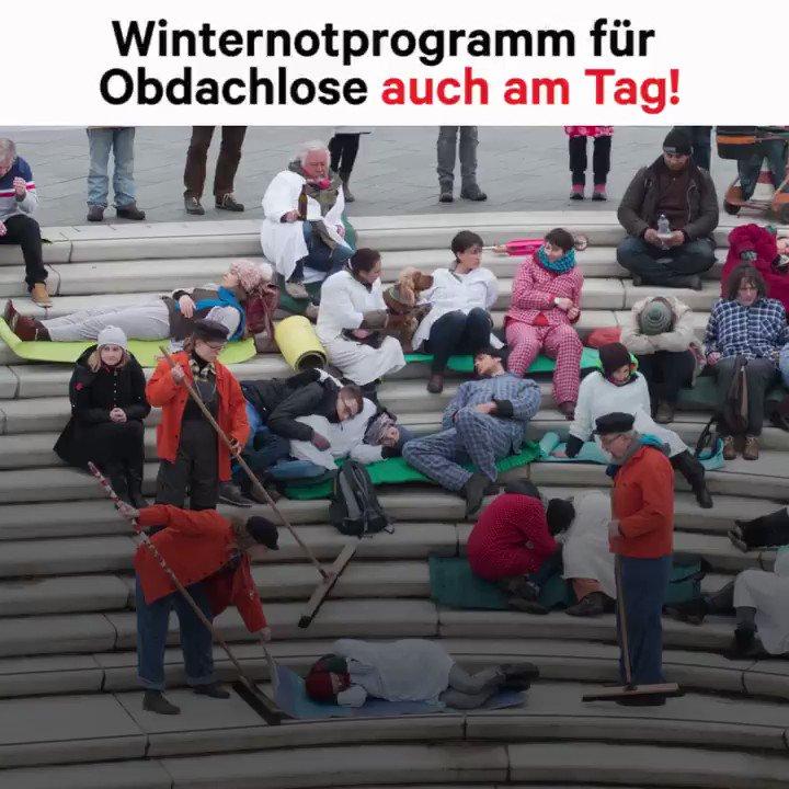 600 obdachlose Hamburger*innen mussten heute trotz Sturmtief #Friederike bei Schnee & Eis raus aus dem #Winternotprogramm und zurück auf die Straße. Wie jeden Tag im Winter. Jörg will das ändern & hat eine wichtige Botschaft an @OlafScholz. 👉 Helft Jörg: https://t.co/DvCPDQ9LeD