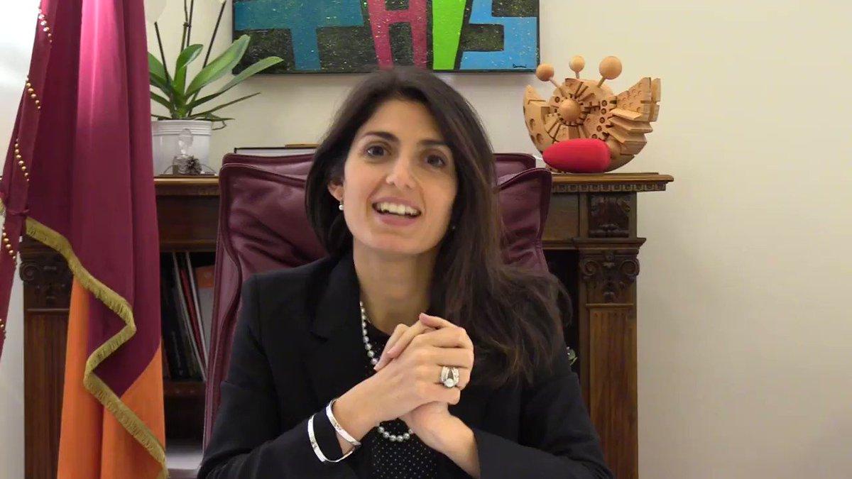 RT @virginiaraggi: Il mio messaggio per @AmiciUfficiale.  Un saluto a Maria De Filippi e ai ragazzi di #amici17 https://t.co/TB2drAhErn