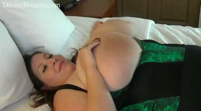 Mara Sexy On Back Jiggle Show see more at https://t.co/V9CvmHg7AQ https://t.co/DJEU9eEgF6