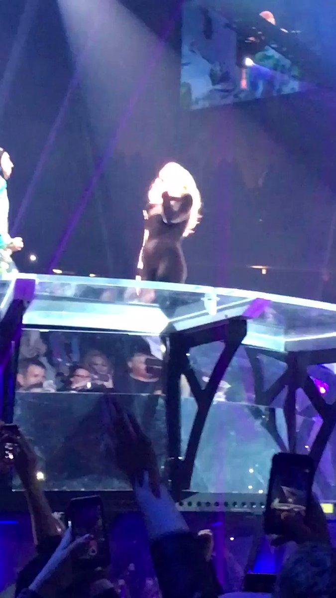 I miss Gaga :( someone take me overseas...