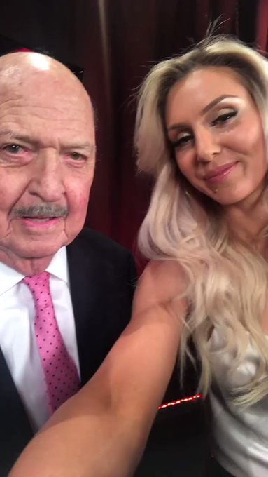 Mean Wooooo Gene! @TheGeneOkerlund #RAW25 https://t.co/Q3uwIfwxvZ
