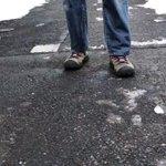 透明人間は実在した?形取った冷凍ジーンズに靴を履かせるとこうなるw