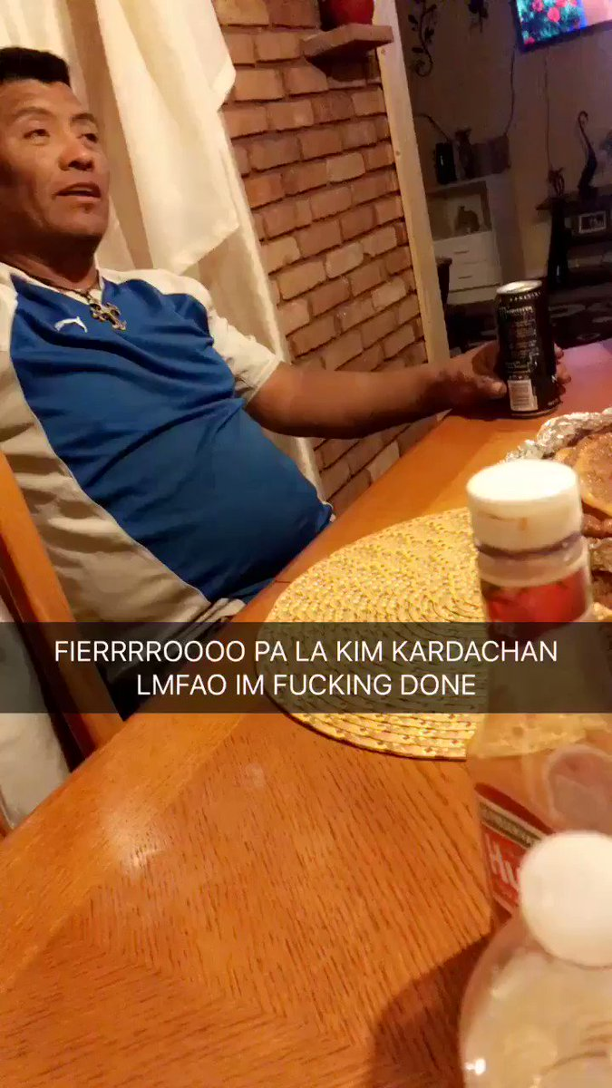 I told my dad Kylie Jenner had her baby and this was his reaction lmao https://t.co/4xvaAUgnBw