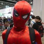 このコスプレクオリティー高ぇウインクするみたいに目が動くスパイダーマン!