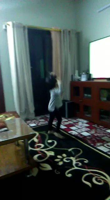 My daughter celebrating @LFC win.. Very proud dad!! #YNWA #LFCFamily 😊🙃 @sirfan93 @rukhsarahmed786 @loonyroon